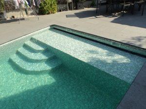 rolluik zwembad